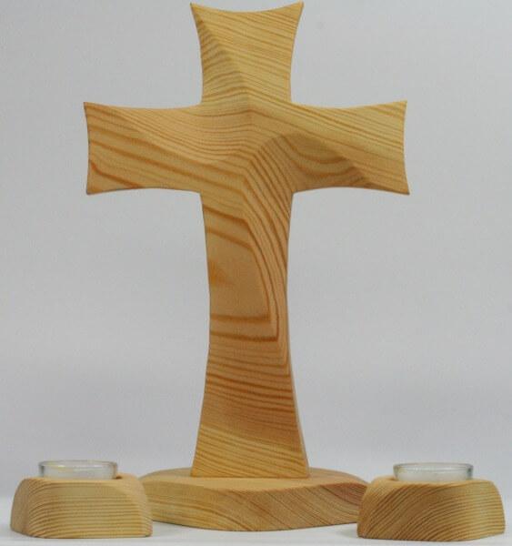 Standkreuz - Asymmetrische Form & Leuchter