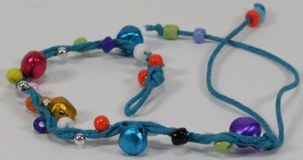 Armband - Farbige Perlen & Glöckchen