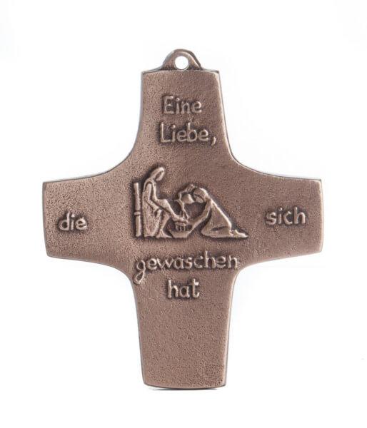 Kommunionkreuz - Eine Liebe, die sich gewaschen hat