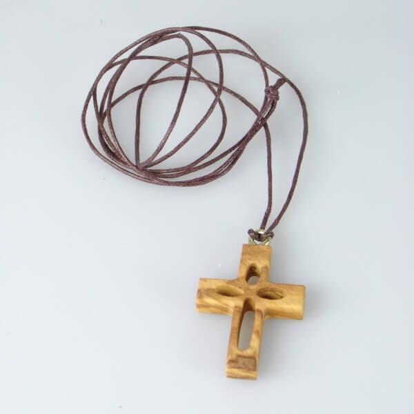 Halskette - Olivenholz & Verziertes Kreuz