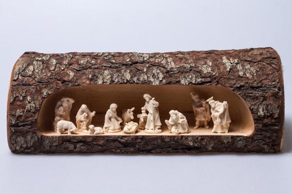 Blockkrippe - 12 Holzfiguren & Baumstamm
