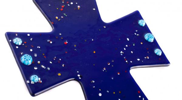 Glaskreuz m. Murano Glasblumen Blau